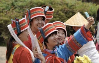Shilin-jeunes-guides-Yunnan