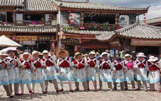 Les femmes Naxi Lijiang Yunnan Chine