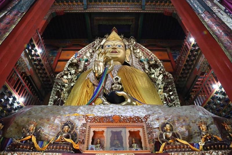 Bouddha au Monastère de Songzanlin Shangri la Chine